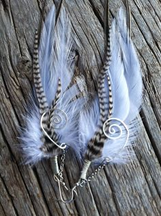 XZP Women's Earrings Bohemian Jewelry Gifts Pendant Metal Tribal Feather Tibetan Dangle Earring – Terri's Treasures Jewelry & Gift Shop Feather Crafts, Feather Art, Feather Jewelry, Feather Earrings, Diy Earrings, Boho Jewelry, Earrings Handmade, Jewelry Crafts, Beaded Jewelry