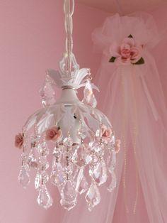 Shabby chic pendant chandelier  ~ Shabby Chic Style & Inspiration ♥ #shabbychic