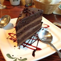 Olive garden 39 s triple chocolate strata cake delicious - Olive garden online reservations ...