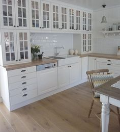 2 high elements on top of each other on worktops - Ikea Hittarp # worktops . Ikea Kitchen, Home Decor Kitchen, Kitchen Interior, Kitchen Cabinets, Faucet Kitchen, Kitchen Tiles, Cupboards, Cozinha Shabby Chic, Cuisines Design