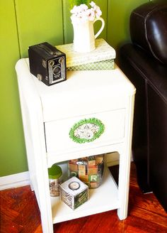 Simple DIY side table makeover with Mod Podge - add a pop of color!