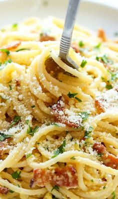Carbonara is one of my favorite dishes! With some homemade pasta and the pancetta super crunchy! Yum