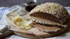 Rye, ale and oat bread |      Serve this richly flavoured bread with a ploughman's lunch of chutney, pickled onions, apple and celery slices, radishes and your favourite cheese.