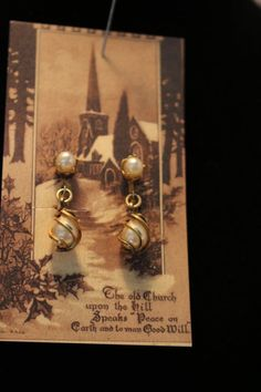 Very beautiful and elegant looking pair of screw on earrings. The #vintage Gold Filled earrings are perfect for your holiday dress ~~~ from @butterflysattic