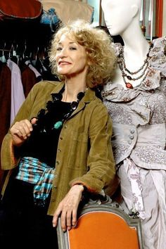 Best Outfits For Women Over 50 - Fashion Trends Older Women Fashion, Grey Fashion, Fashion Over 50, Boho Fashion, Vintage Fashion, Fashion Trends, High Fashion, Beautiful Old Woman, Beautiful People