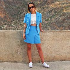 Vintage Clothing Suit 90s, Mini Skirt and Blue Blazer. High Waisted Skirt Small. Blue Jacket Short Sleeve. Size S  Ropa Vintage Traje 90s Mini Falda y Chaqueta Azul #vintageshop #vintageclothing #vintagestyle #vintagelover By RebecaVintageShop on Etsy