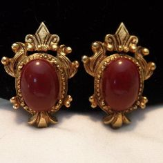 Florenza Victorian Revival Red Carnelian Cabochon Gold Plate | Etsy Antique Jewelry, Gold Jewelry, Vintage Jewelry, Vintage Costume Jewelry, Vintage Costumes, Carnelian, Clip On Earrings, Great Gifts, Plate