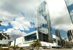 As vendas da Iguatemi Empresa de Shopping Centers atingiram R$ 2,5 bilhões no 3° trimestre, crescimento de 13,9% em relação ao mesmo período de 2013. No acumulado do ano, as vendas totais alcançaram R$ 7,3 bilhões, um acréscimo de 16,2%. A companhia tem 17 shoppings no portfólio e três torres comerciais. A maior receita vem do Iguatemi São Paulo (@iguatemisp), que apresentou aumento de 9,3% e totalizou R$ 44 milhões. #retail #NoVarejo #iguatemi #sales