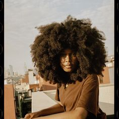 Natural Afro Hairstyles, Elegant Hairstyles, Pretty Hairstyles, Long Natural Hair, Natural Hair Styles For Black Women, Big Curly Hair, Curly Hair Styles, Big Afro, Short Afro