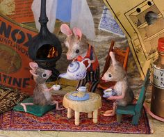 This is really a tiny space!  MousesHouses by Maggie Rudy, Portland, Oregon, check out her book, I Wish I Had A Pet.