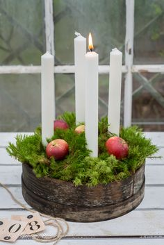 Use tall, slender candles & explore your local antique stores to create your Advent wreath. Noel Christmas, Christmas Candles, Green Christmas, Scandinavian Christmas, Country Christmas, Winter Christmas, Christmas Wreaths, Christmas Crafts, Christmas Decorations