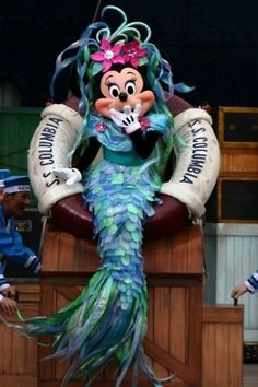 minnie-mickey-disney: This is the greatest thing ever. Disney Dream, Disney Girls, Disney Love, Disney Magic, Mickey Mouse, Disney Mickey, Disney Pixar, Walt Disney World, Tokyo Disney Sea