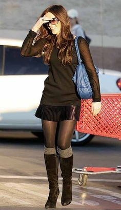 Kate Beckinsale Pretty Total Black Winter Style : Skirt + Black Top with Transparent Sleeves + Black Tights + Knee High Socks + Boots Skirt Outfits, Cute Outfits, Black Tights Outfit, Look Fashion, Womens Fashion, Street Fashion, Kate Beckinsale, Beautiful Legs, Mode Inspiration