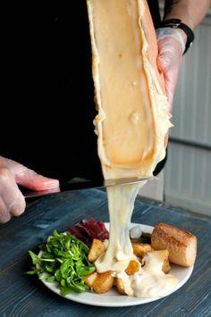 raclette mit brot und salat kombinieren