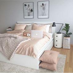 A dreamy feminine bedroom #martaszymanska