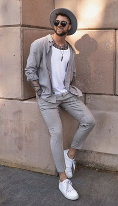 Here are 10 Cool Date Outfits for you to woo your women with your dressing skills Best Smart Casual Outfits, Smart Casual Men, Stylish Mens Outfits, Stylish Man, Trendy Mens Fashion, Fashion Moda, Men Fashion, Fashion Ideas, Fashion Tips
