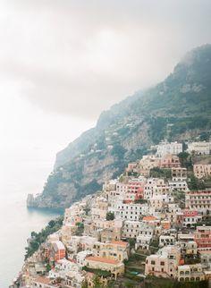 Have your dream honeymoon and escape to the beautiful Amalfi Coast!  Photography: Peter and Veronika - http://peterandveronika.com/language/en/