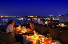 La Terrasse du toit du Georges Hotel Galata - by night