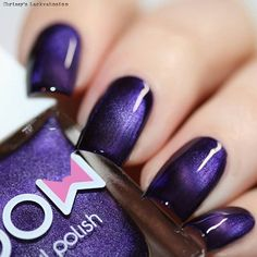 Create beautiful nail art on your nails with this blue to purple shimmer magnetic nail polish. Collection: Magnetic Recommended 2 coats or 1 coat over a black base. Magnets are sold separately. Beauti