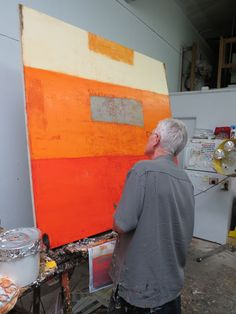 Father Bill Moore (i wonder why he has a picture of the painting he's working on, below the painting) Artist Art, Artist At Work, Artist Workspace, Big Wall Art, Modern Art, Contemporary Art, Art Studios, Painting Inspiration, New Art