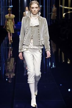 Dolce & Gabbana Fall 2006 Ready-to-Wear Collection Photos - Vogue