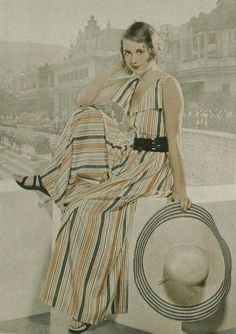 Pajamas to the Beach? Ladies in the did it in style!, Beach Outfits, Beach pajamas love these! they look so comfortable and breezy. plus, wide legs, which I love. 1930s Fashion, Retro Fashion, Vintage Fashion, Women's Fashion, Vintage Couture, Edwardian Fashion, Fashion Quotes, Fashion Spring, Daily Fashion