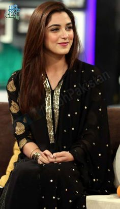 Pakistani actress and model Maya Ali Pakistani Models, Pakistani Girl, Pakistani Dress Design, Pakistani Actress, Pakistani Outfits, Indian Outfits, Pakistani Couture, Beauty And Fashion, Girl Fashion