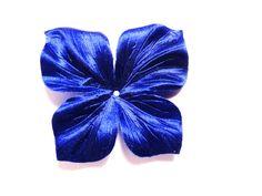 2 Fleurs violet de satin duchesse de soie façonnée faite main dimension 45 millimètres de la boutique FLOWERSILKCOUTURE sur Etsy