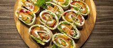 Rollsy z łososiem - koreczki z tortilli - Blog z apetytem