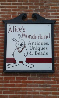 Alice's Wonderland, Mt. Vernon, IA. A fabulous land of originality! So fun to shop.