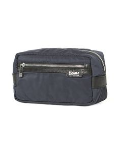 ECOALF | DRESSING CASE DEEP NAVY - This beauty bag is made with 6 recycled plastic bottles and 35 grams of discarded fishing nets.