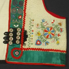 VINTAGE PEASANT VEST Czech hand-embroidered folk costume ethnic bodice top KROJ