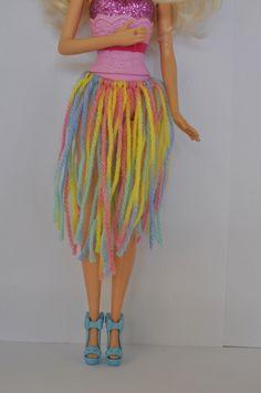 DIY Barbie Clothes -  wool hula skirt