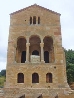 Oviedo (Santa María del Naranco)