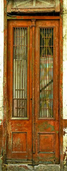 Door, Havana, Cuba (photo by Artypixall, via Flickr)
