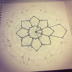 """Képtalálat a következőre: """"gromova ksenya"""" Mandala Art Lesson, Mandala Drawing, Mandala Painting, Dot Painting, Mandala Dots, Mandala Pattern, Geometric Drawing, Geometric Art, Stencil"""