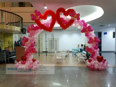 Balloon Arrangements, Balloon Centerpieces, Balloon Decorations Party, Holiday Centerpieces, Stage Decorations, Valentine Decorations, Balloon Gate, Balloon Columns, Valentines Balloons