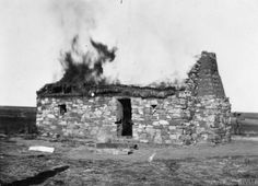 A Boer farm burns after being put to the torch by the British during the Second Boer War. With the end of the conventional fighting and the beginning of the Boer's guerrilla campaign, the British adopted a scorched earth tactic to prevent the. Armed Conflict, State Farm, St Helena, Guerrilla, African History, British Army, Military History, Troops, World War