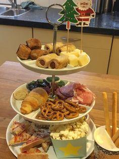 glutenvrij_kerstbuffet_ingrid Waffles, School, Breakfast, Food, Morning Coffee, Eten, Schools, Waffle, Meals