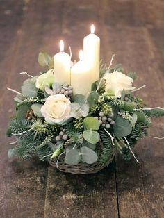 20+ Charming Flower Arrangements Ideas For Table Decoration