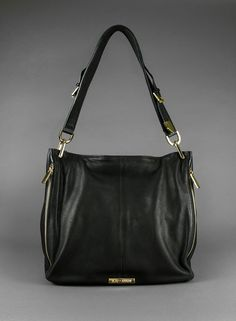 I would love love love to have this!! Conceal carry bag, perfect for my busy mom life.
