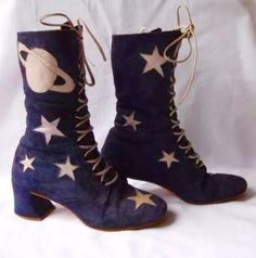 vintage one of a kind custom galaxy boots, originally bought from a place called 'rainbow cobbler' in north beach sf Sock Shoes, Cute Shoes, Me Too Shoes, Shoe Boots, Patricia Field, Vintage Outfits, Vintage Shoes, 1960s Fashion, Vintage Fashion