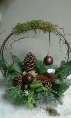 Spectacular Create a picture result per Christmas with a star frame - Bilder dekoration diy - Christmas Flower Arrangements, Christmas Flowers, Christmas Centerpieces, Xmas Decorations, Christmas Time, Christmas Planters, Christmas Ornaments, Holiday Crafts, Holiday Decor