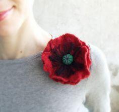 Red Poppy brooch felted flower brooch from Lena Baymut