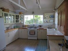 You might like to use some vintage kitchen decorating ideas in your next remodel.