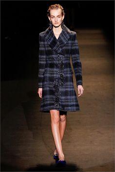 Sfilata Alberta Ferretti Milano - Collezioni Autunno Inverno 2013-14 - Vogue