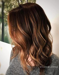 50 Beautiful Hairstyles with Caramel Highlights - Hair Adviser Caramel Brown Hair, Brown Hair With Caramel Highlights, Hair Color Caramel, Caramel Blonde, Brunette Highlights, Balayage Hair Copper, Balayage Hair Caramel, Brown Balayage, Copper Hair