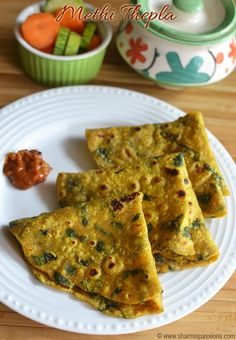 methi thepla recipe with step by step photos.methi theplas are healthy fatbreads made with fresh methi leaves.methi theplas are healthy and tasty. Lunch Recipes, Gourmet Recipes, Vegetarian Recipes, Healthy Recipes, Indian Snacks, Indian Food Recipes, Indian Foods, Methi Recipes, Indian Dishes