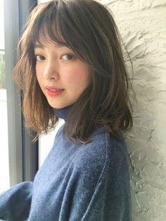 Medium Hair Cuts, Medium Hair Styles, Curly Hair Styles, Short Hair With Bangs, Hairstyles With Bangs, Asian Hair Bangs, Korean Short Hair Bangs, Ulzzang Short Hair, Korean Hairstyles Women
