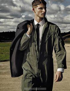 Male Fashion Trends: Editorial por Michelangelo di Battista para GQ Italia http://www.twotogoplease.com/blog/